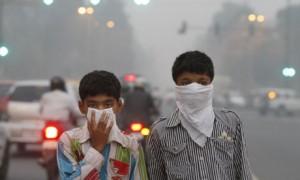New Delhi children take anti-smog precautions